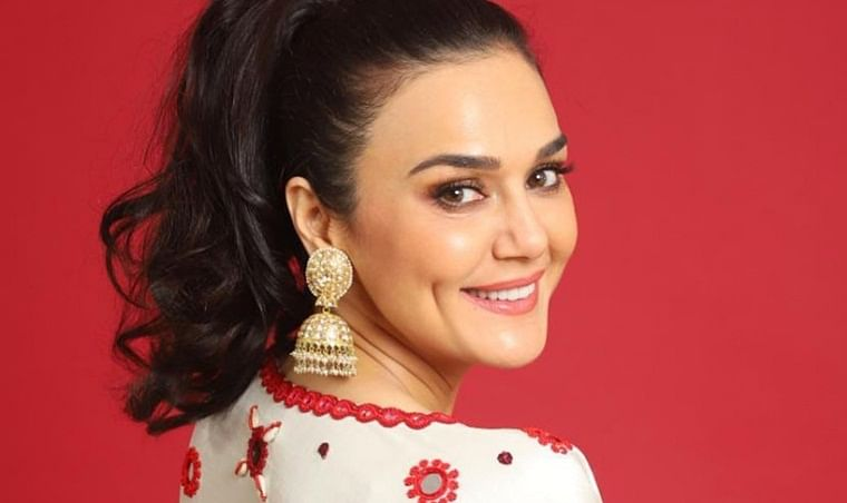 'Mission Kashmir' clocks 19 years, Preity Zinta shares her journey, thanks for amazing memories