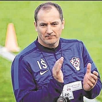 India coach Igor Stimac blames early injury substitutions for loss against Oman