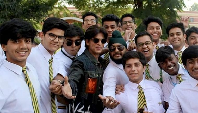I hated the chemistry lab: Shah Rukh Khan visits his alma mater St. Columba's school in Delhi