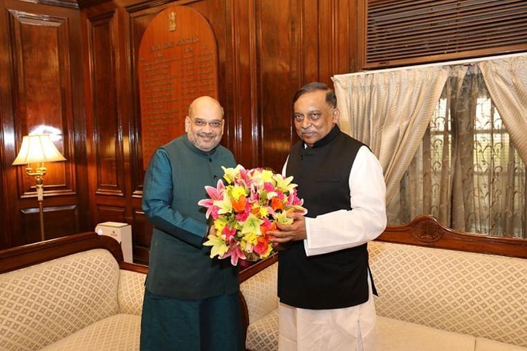 (from left)India's HM Amit Shah and Bangladesh's HM Asaduzzaman Khan