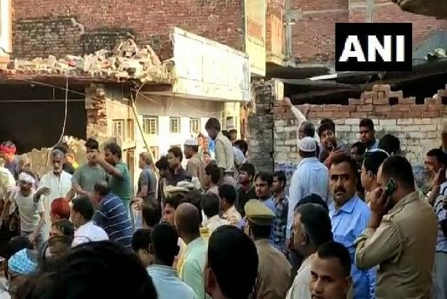 10 killed after cylinder explodes in Uttar Pradesh's Mau district