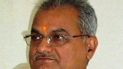 Bhopal: Shukla returns from BJP office sans meeting Singh