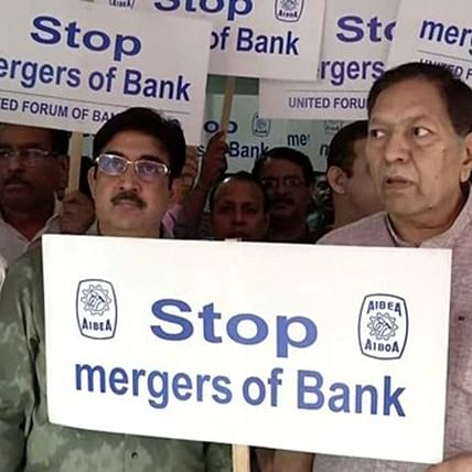 Bank unions to stage dharna in front of Parliament to protest against merger of public sector banks