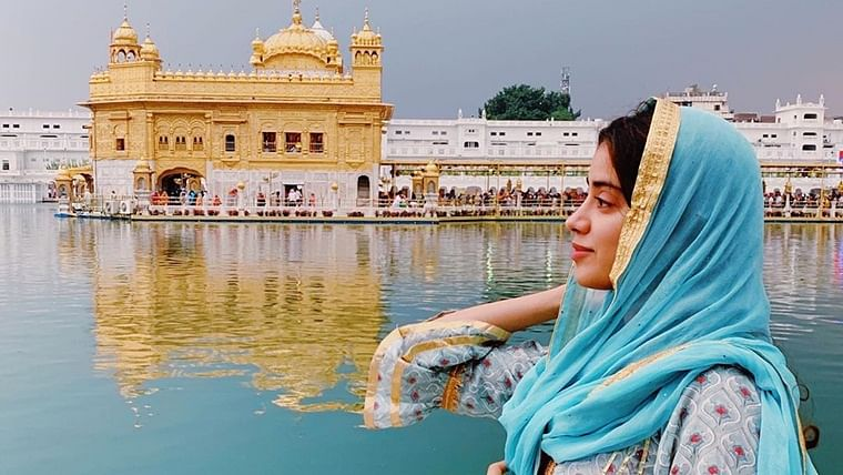 Will her prayers work? Janhvi Kapoor seeks blessings at Golden Temple before Dostana 2 shooting