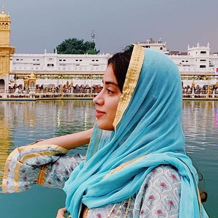 Will her prayers work? Janhvi Kapoor seeks blessings at Golden Temple before Dostana 2 shooting