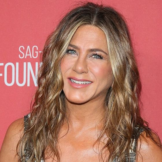 Jennifer Aniston treats fans with never seen before picture from 'Friends' sets