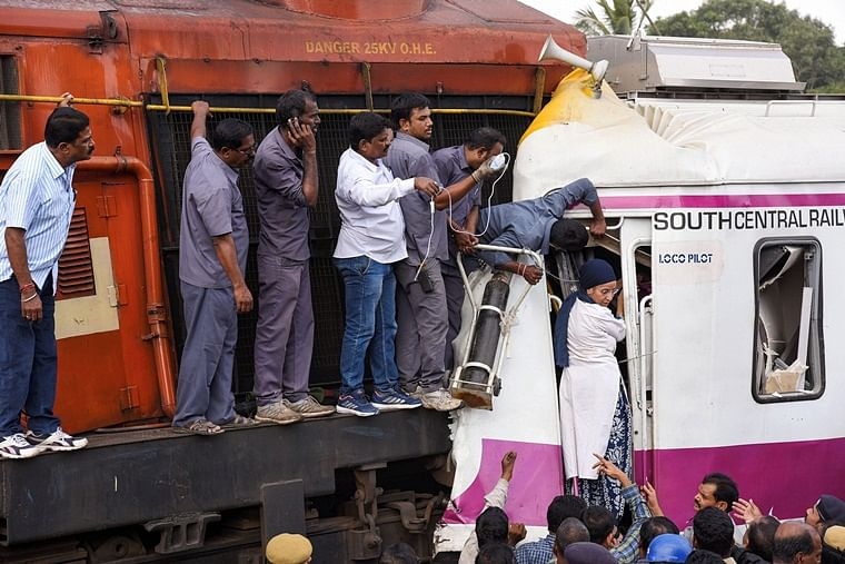 How did Hyderabad train collision actually take place?