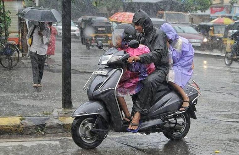 Cyclone Maha - why is it raining in Mumbai in November