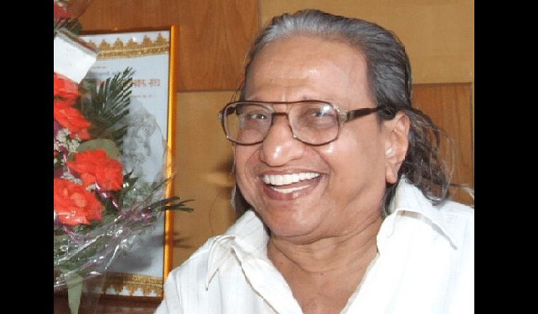 Renowned Marathi journalist Nilkanth Khadilkar, father of chess prodigies passes away at 86