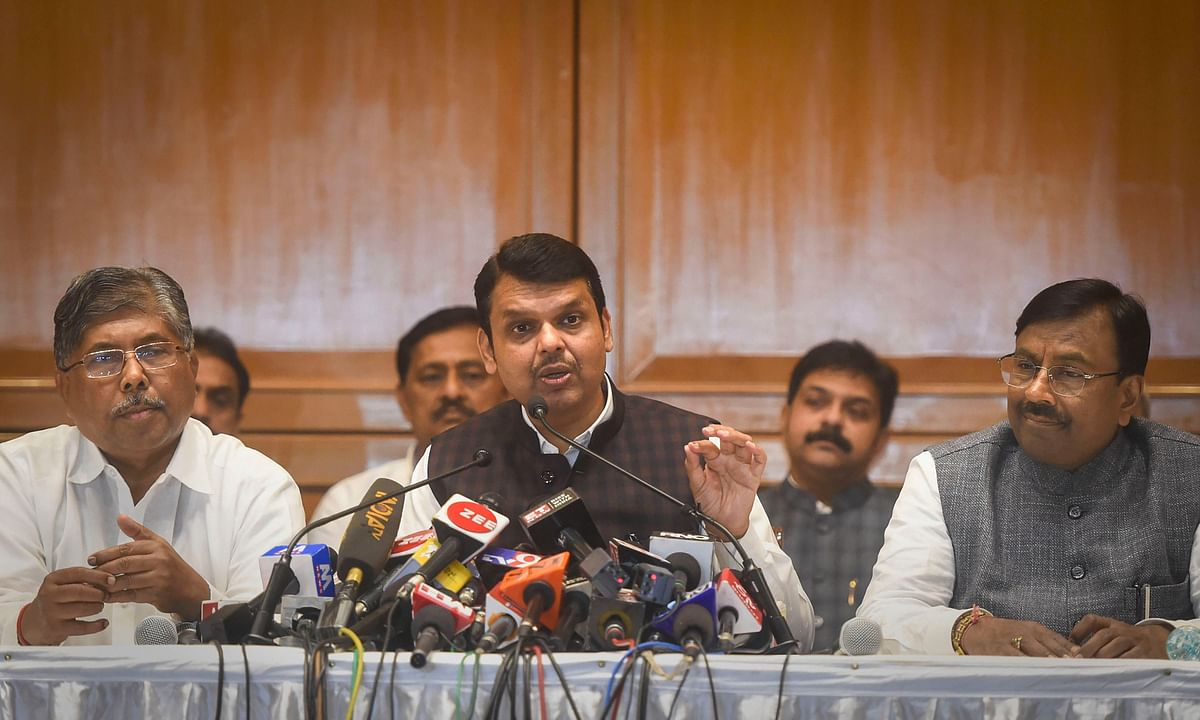 Does Rahul have courage to apologize to PM after SC verdict on Rafale: Fadnavis