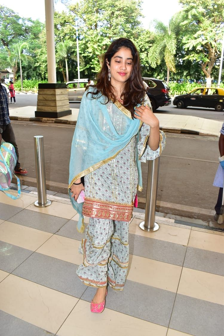 Janhvi Kapoor's quirky salwar suit makes a 'desi' style statement at the airport