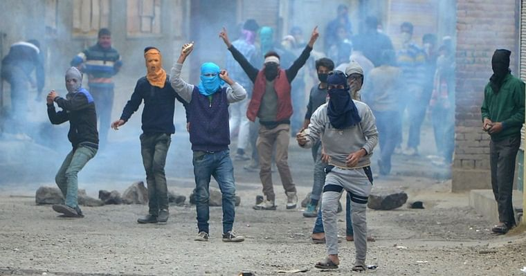 Government informs Lok Sabha that stone-pelting in J&K down since Aug 5, but data differs