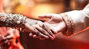 Harda: Hindu neighbours receive 'baraat' as Muslim woman gets married