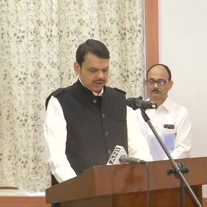 Maha govt formation Updates: Devendra Fadnavis takes oath as Maharashtra Chief Minister