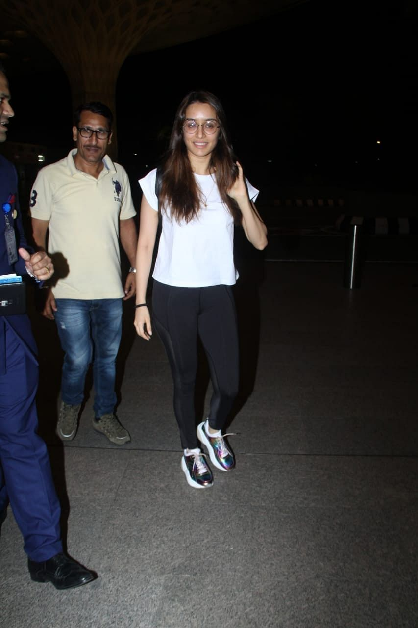Shraddha Kapoor's no makeup look in public proves she's a natural beauty