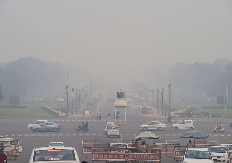 Air pollution forces children indoors in Delhi-NCR, schools shut for 2 days