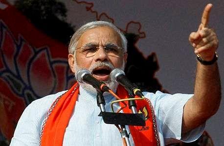 Modi attacks Sonia, predicts thumping BJP win