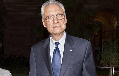 SC pulls up Italian envoy, bars him from leaving India, says no diplomatic immunity