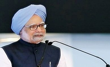 Economic slowdown: Manmohan Singh blames trust deficit