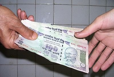 Indore: Income tax officer caught accepting Rs 20,000 bribe