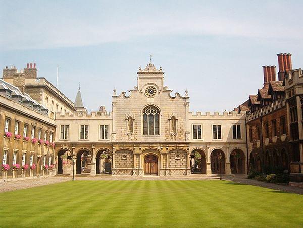 Oxford University 'family guide' in Hindi, Urdu and Bengali