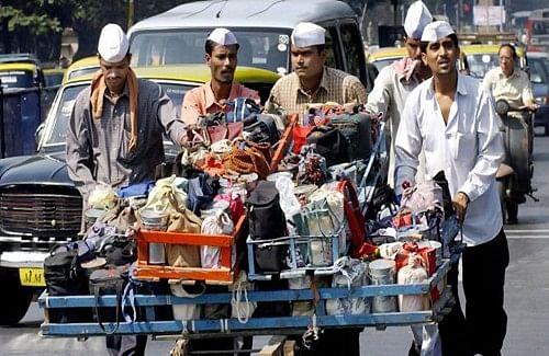 Mumbai Dabbawala members meet people in Bhendi Bazaar post Ayodhya verdict Mumbai