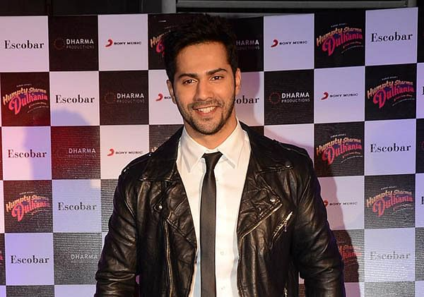 I'm not dating anyone: Varun  Dhawan