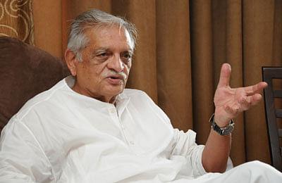 Gulzar, Sukhwinder release Urdu Varsity anthem