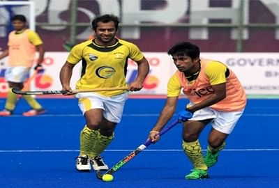 Pakistan stun Holland to reach Champions Trophy semis