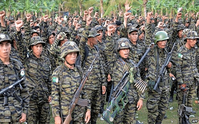 Give peace a chance, say Philippine government and rebel negotiators