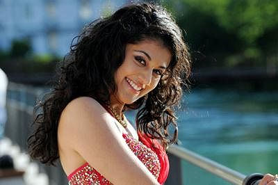 Big B is so chilled out: Tapsee Pannu
