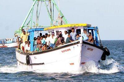 5 Indian fishermen apprehended by Sri Lankan Navy