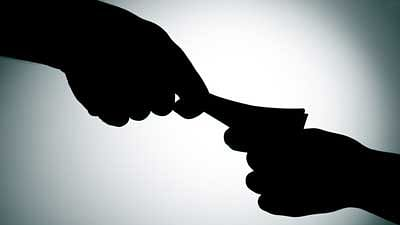 PWD engineer held while taking bribe in Thane