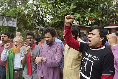 Bangladeshi court indicts 65 in violence case