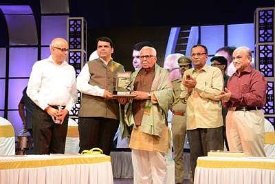 12 stars shine brighter at 'Navshakti Sanman Sandhya'