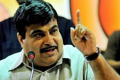Ex-servicemen planning to show black flags to Gadkari,detained