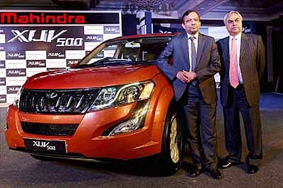 Car sales up for 14th straight month, surges 13% in Dec