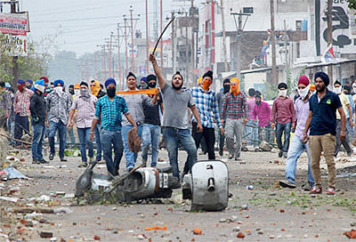 Poster row: Protester killed  in Jammu police firing