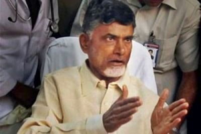Andhra CM, governor meet president in Hyderabad