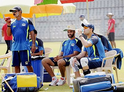 Mumbai: Captain of Panjab team Yuraj Singh with other players during a training session at Wankhede Stadium in Mumbai on Wednesday for the Ranji Trophy match against Mumbai. PTI Photo   (PTI10_7_2015_000103B)
