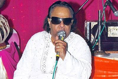 The eight high notes of poet-maestro Ravindra Jain