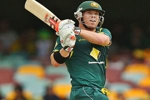 Warner blasts double ton to quell Kiwis in Perth