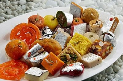 Eating sweet foods may help control your diet!