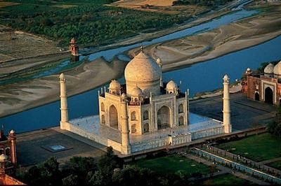 Ancient and ancestral Agra