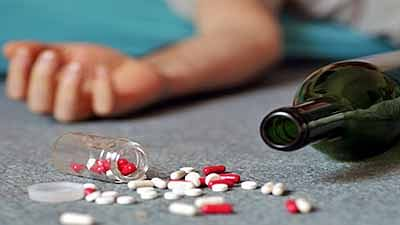 Drug overdose deaths  in US hit record high