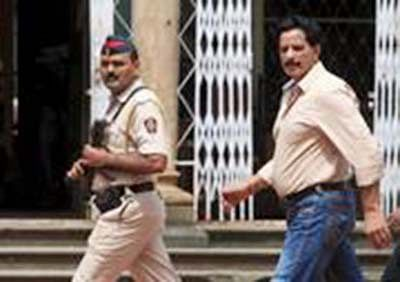 Shiv Sena candidate, Pradeep Sharma states assets worth 6.21 crores in his poll affidavit