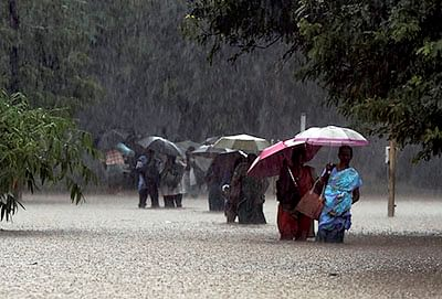 'Extremely heavy rains likely at isolated places in five Maharashtra districts'