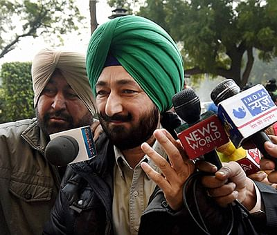 New Delhi: Gurdaspur SP Salwinder Singh, who was allegedly abducted by terrorists involved in the Pathankot attack, arrives to appear before NIA in New Delhi on Tuesday for a questioning in connection with the terror strike. PTI Photo by Manvender Vashist (PTI1_12_2016_000044B)