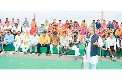 BJP stages dharna protesting JNU incident