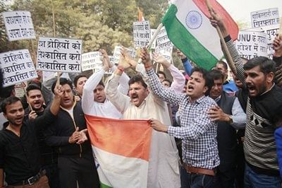 Attack at court: Journalists hold protest march; slam 'police inaction'